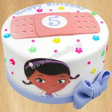 Торт Доктор Плюшева на 5 лет