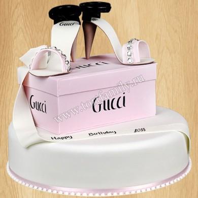 Торт туфли от Gucci