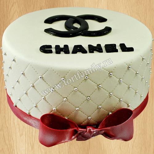 Торт с эмблемой Шанель