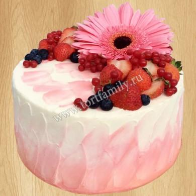 Торт с герберами и ягодами