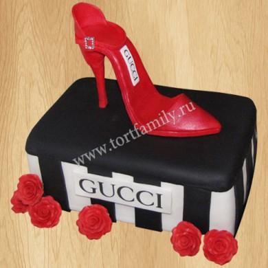 Торт Гуччи для девочек