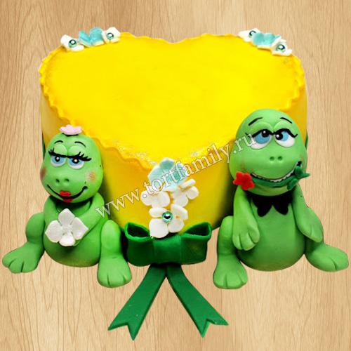 Одноярусный свадебный торт сердце с лягушками