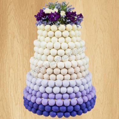 Свадебный торт с пирожными на палочке