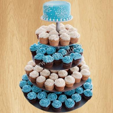 Свадебный торт с кремовыми капкейками