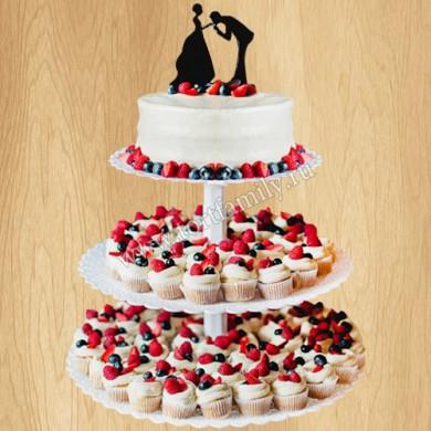 Ягодный порционный торт на свадьбу